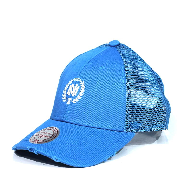 Bone Mitchell and Ness trucker snapback azul