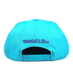 Boné Charlotte Hornets Mitchell & Ness Logo Abelha Azul Claro