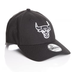 Bone Chicago Bulls New Era 9forty white on black